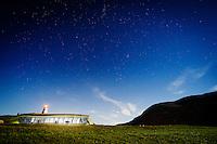 Alnes Fyr og Opplevelsessenter by night.<br /> Foto: Svein Ove Ekornesvåg