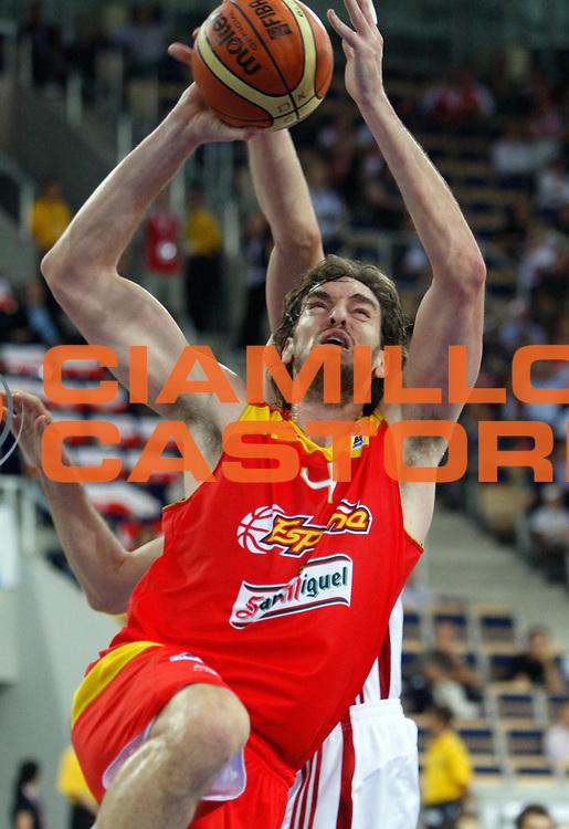 DESCRIZIONE : Lodz Poland Polonia Eurobasket Men 2009 Qualifying Round Turchia Spagna Turkey Spain<br /> GIOCATORE : Pau Gasol<br /> SQUADRA : Spagna Spain<br /> EVENTO : Eurobasket Men 2009<br /> GARA : Turchia Spagna Turkey Spain<br /> DATA : 12/09/2009 <br /> CATEGORIA :<br /> SPORT : Pallacanestro <br /> AUTORE : Agenzia Ciamillo-Castoria/M.Kulbis<br /> Galleria : Eurobasket Men 2009 <br /> Fotonotizia : Lodz Poland Polonia Eurobasket Men 2009 Qualifying Round Turchia Spagna Turkey Spain<br /> Predefinita :