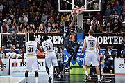Jefferson Johndre<br /> Dolomiti Energia Trento - Vanoli Cremona<br /> Lega Basket Serie A 2016/2017<br /> Trento 09/10/2016<br /> Foto Ciamillo-Castoria