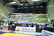 DESCRIZIONE : Sassari Lega A 2012-13 Dinamo Sassari Lenovo Cantù Quarti di finale Play Off gara 1<br /> GIOCATORE : Tifosi Sassari<br /> CATEGORIA : Coreografia<br /> SQUADRA : Dinamo Sassari<br /> EVENTO : Campionato Lega A 2012-2013 Quarti di finale Play Off gara 1<br /> GARA : Dinamo Sassari Lenovo Cantù Quarti di finale Play Off gara 1<br /> DATA : 09/05/2013<br /> SPORT : Pallacanestro <br /> AUTORE : Agenzia Ciamillo-Castoria/M.Turrini<br /> Galleria : Lega Basket A 2012-2013  <br /> Fotonotizia : Sassari Lega A 2012-13 Dinamo Sassari Lenovo Cantù Play Off Gara 1<br /> Predefinita :