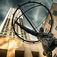 The statue of Atlas with The Rockefeller Centre behind it.
