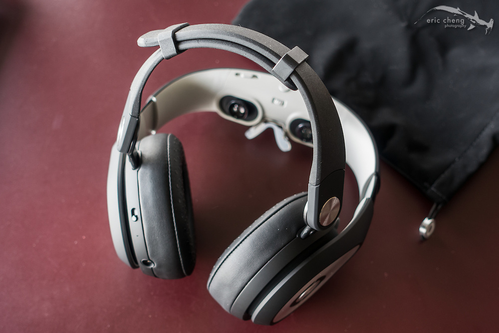 An optional headband brings you back to when you used to wear orthodontic headgear. I found the Glyph comfortable enough to wear without this piece attached. Avegant Glyph Founder's Edition
