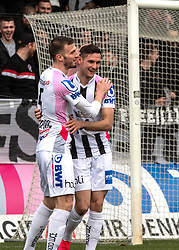 23.02.2020, TGW Arena, Pasching, AUT, 1. FBL, LASK vs SKN St. Poelten, 20. Runde, im Bild v.l. Petar Filipovic (LASK Linz), Torschütze zum 2 zu 0 Husein Balic (LASK) // during the tipico Bundesliga 20th round match between LASK and SKN St. Poelten at the TGW Arena in Pasching, Austria on 2020/02/23. EXPA Pictures © 2020, PhotoCredit: EXPA/ Reinhard Eisenbauer