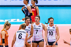 16-10-2018 JPN: World Championship Volleyball Women day 17, Nagoya<br /> Netherlands - China 1-3 / Kirsten Knip #1 of Netherlands,, Maret Balkestein-Grothues #6 of Netherlands, Anne Buijs #11 of Netherlands, Juliet Lohuis #7 of Netherlands, Lonneke Sloetjes #10 of Netherlands