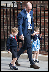 April 23, 2018 - London, London, United Kingdom - Image licensed to i-Images Picture Agency. 23/04/2018. London, United Kingdom.  The Duke of Cambridge with his children Prince George and Princess Charlotte as they arrive  to visit the Duchess of Cambridge and the new royal baby  at the Lindo Wing of St.Mary's hospital in London  (Credit Image: © Stephen Lock/i-Images via ZUMA Press)