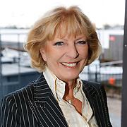 NLD/Loosdrecht/20121126 - CD uitreiking Anneke Gronloh, Ciska Peters