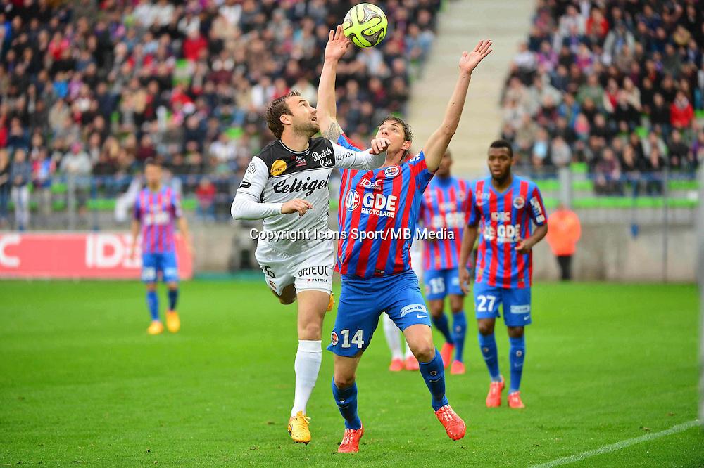 Maxime BACA / Emiliano SALA - 25.04.2015 - Caen / Guingamp - 34eme journee de Ligue 1<br /> Photo : David Winter / Icon Sport