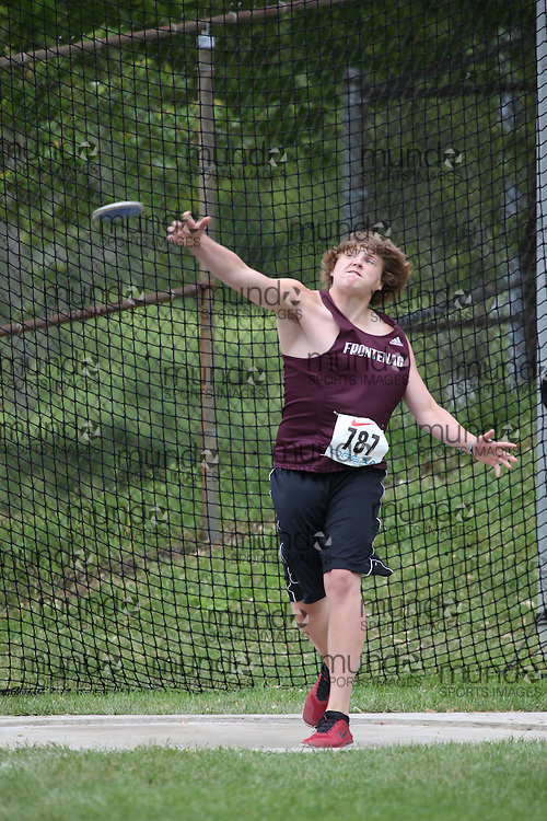 Tanner Armstrong of Frontenac SS - Kingston competes in the midget boys discus at the 2013 OFSAA Track and Field Championship in Oshawa Ontario, Thursday,  June 6, 2013.<br /> Mundo Sport Images / Sean Burges