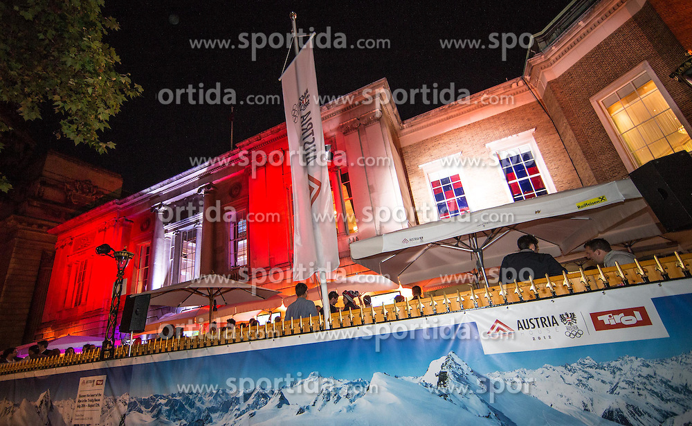 29.07.2012, Tower, London, GBR, Olympia 2012, Nachtfeatures, im Bild OeOC Haus Oesterreich Tirol // Haus Oesterreich Tyrol during 2012 Summer Olympics at Wimbledon, London, United Kingdom on 2012/07/29. EXPA Pictures © 2012, PhotoCredit: EXPA/ Johann Groder