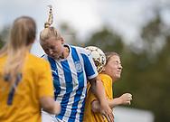 FODBOLD: Steffie Rasmussen (NFC/VIF) og Heidi Viborg (Ølstykke FC) under kampen i Sjællandsserien mellem Ølstykke FC og Nykøbing/Vordingborg den 7. september 2019 på Ølstykke Stadion. Foto: Claus Birch