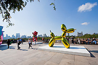 Jeff Koons on the Roof of Metropolitan Museum of Art in New York City in October 2008
