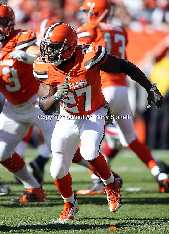 Cleveland Browns running back Robert Turbin (27) goes out for a pass in the flat during the 2015 week 8 regular season NFL football game against the Arizona Cardinals on Sunday, Nov. 1, 2015 in Cleveland. The Cardinals won the game 34-20. (©Paul Anthony Spinelli)