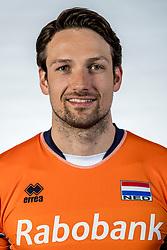 10-05-2017 NED: Selectie Nederlands volleybal team mannen 2017, Arnhem<br /> Op Papendal werd de selectie gepresenteerd / Thomas Koelewijn #15