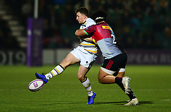Duncan Weir of Worcester Warriors is tackled by Elia Elia of Harlequins - Mandatory by-line: Dougie Allward/JMP - 30/03/2019 - RUGBY - Sixways Stadium - Worcester, England - Worcester Warriors v Harlequins - European Challenge Cup quarter-final