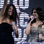 MON/Monte Carlo/20100512 - World Music Awards 2010, Afef Jnifen reikt Best Middle Eastern award uit aan Elissa