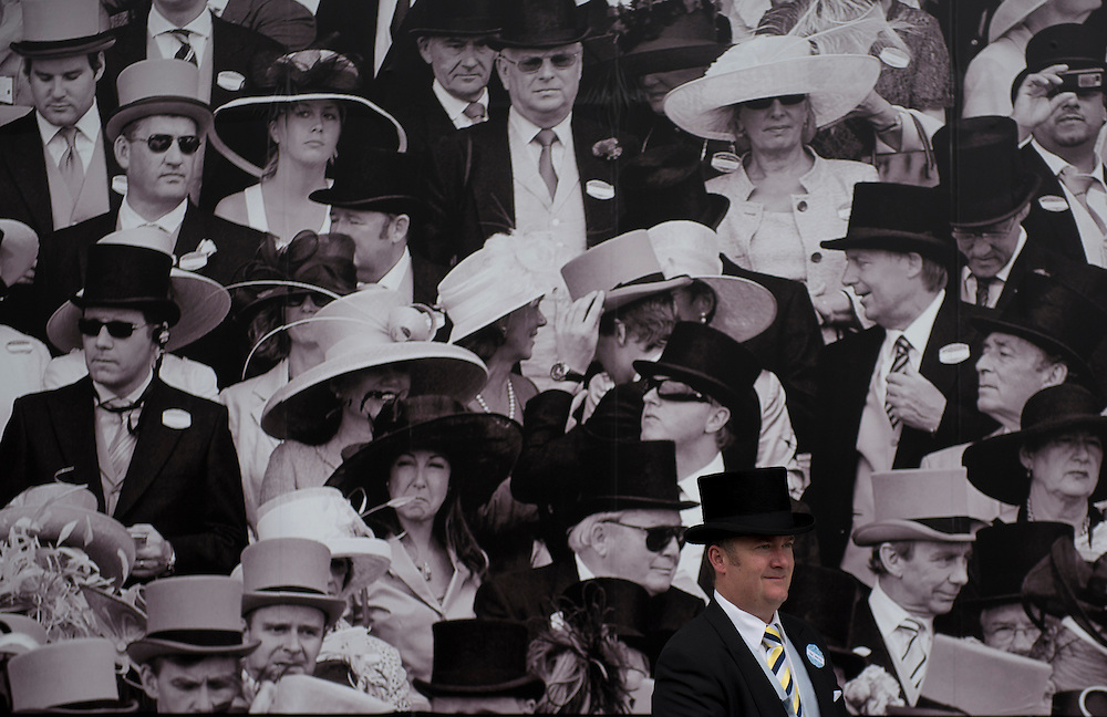 Race-goers on the fifth day of Royal Ascot near London, Britain, 20 June 2015. Today marks the final day of the annual horse racing meeting. EPA/WILL OLIVER