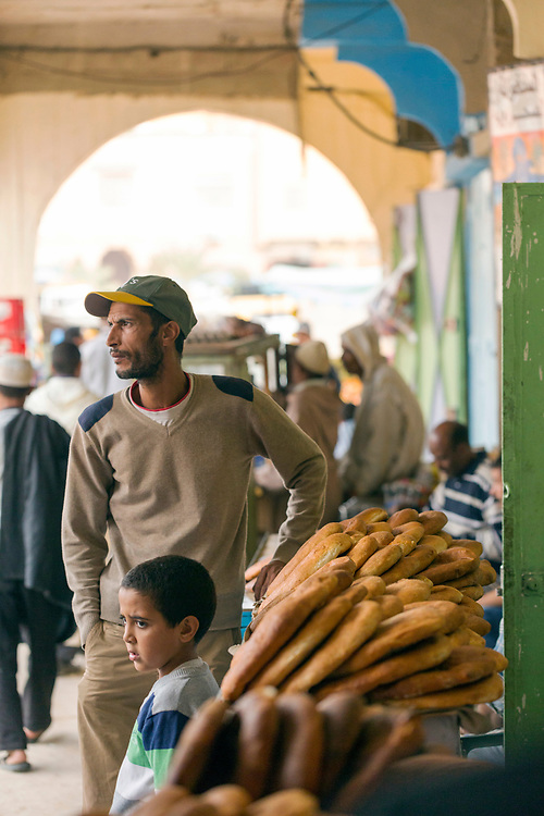 Madfouna is locally joked as being the Berber take on pizza in the southern Saharan regions and is even served to go in cardboard boxes from small take away stands in Rissani, Southern Morocco, 2015-11-01. <br />