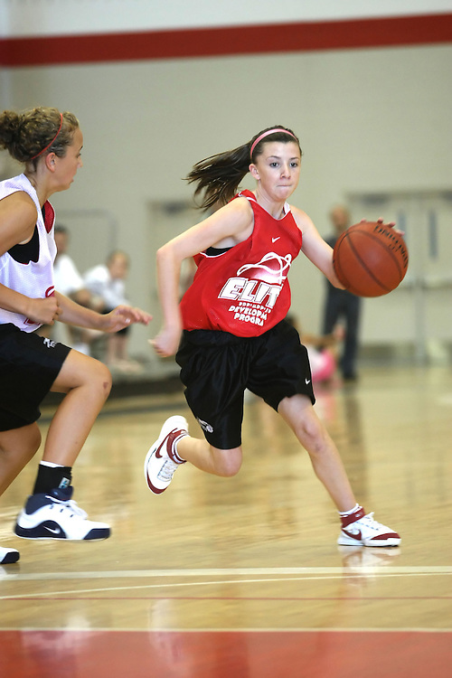 (Ottawa, ON---16 August 2008) Central West (Red) plays Niagara (White) in the girls basketball final during the 2008 Ontario Summer Games. Photograph copyright Sean Burges/Mundo Sport Images (www.mundosportimages.com).