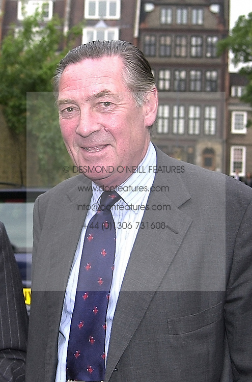 LORD VESTEY at a party in London on 29th June 2000.<br /> OFX 47 MORO<br /> &copy; Desmond O&rsquo;Neill Features:- 020 8971 9600<br />    10 Victoria Mews, London.  SW18 3PY <br /> www.donfeatures.com   photos@donfeatures.com<br /> MINIMUM REPRODUCTION FEE AS AGREED.<br /> PHOTOGRAPH BY DOMINIC O'NEILL