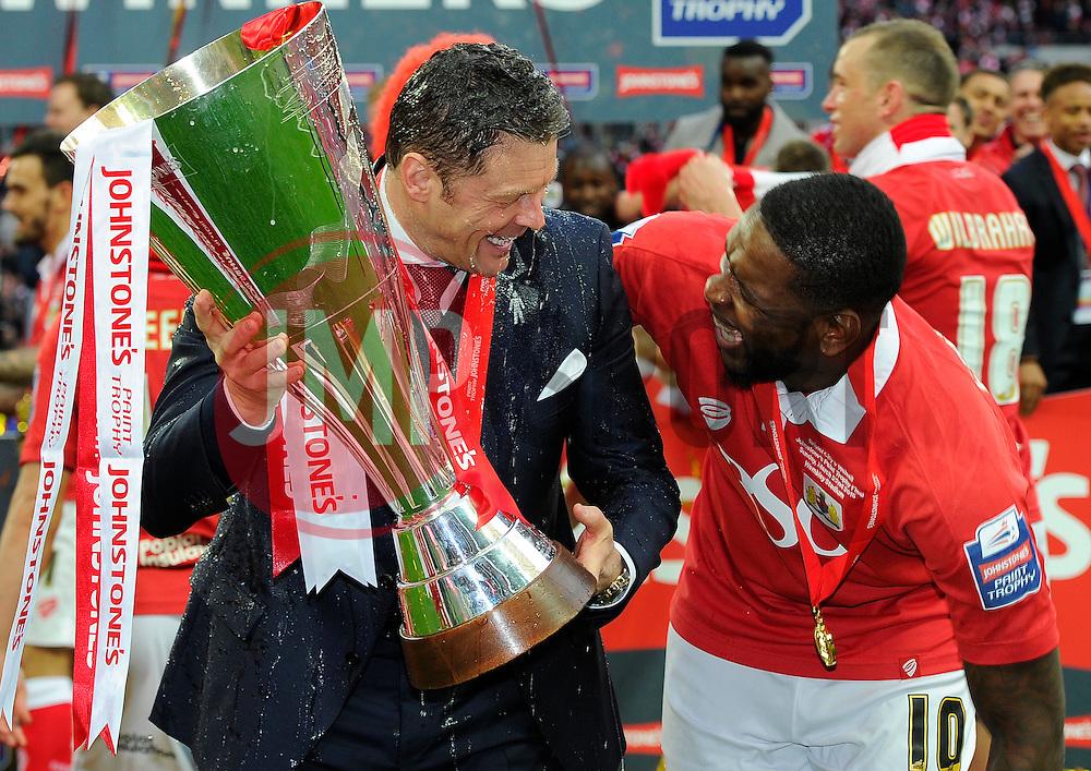 Bristol City manager, Steve Cotterill and Bristol City's Jay Emmanuel-Thomas  with the JPT trophy  - Photo mandatory by-line: Joe Meredith/JMP - Mobile: 07966 386802 - 22/03/2015 - SPORT - Football - London - Wembley Stadium - Bristol City v Walsall - Johnstone Paint Trophy Final