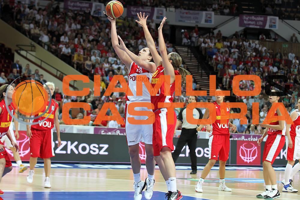 DESCRIZIONE : Katowice Poland Polonia Eurobasket Women 2011 Round 1 Poland Montenegro Polonia<br /> Montenegro<br /> GIOCATORE : Ewelina Kobryn<br /> SQUADRA : Poland Polonia<br /> EVENTO : Eurobasket Women 2011 Campionati Europei Donne 2011<br /> GARA : Poland Montenegro Polonia Montenegro<br /> DATA : 18/06/2011<br /> CATEGORIA :<br /> SPORT : Pallacanestro <br /> AUTORE : Agenzia Ciamillo-Castoria/E.Castoria<br /> Galleria : Eurobasket Women 2011<br /> Fotonotizia : Katowice Poland Polonia Eurobasket Women 2011 Round 1 Poland Montenegro Polonia Montenegro<br /> Predefinita :