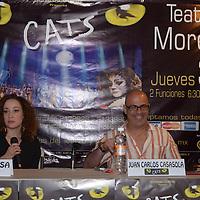 Toluca, México.- Los actores Natalia Sosa y Juan Carlos Casasola, durante conferencia de prensa, donde anunciaron las dos funciones que se llevarán acabo el 3 de abril en el teatro Morelos. Agencia MVT / Arturo Hernández S.