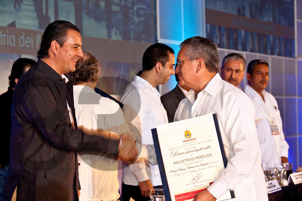 Boca del Rio, Veracruz. 30 enero 2010. Reconocimiento Etica y Valores entregado por la Concamin