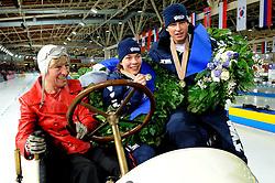 10-02-2008 SCHAATSEN: ISU WERELDKAMPIOENSCHAPPEN ALLROUND: BERLIJN <br /> Wereldkampioenen Paulien van Deutekom en Sven Kramer <br /> ©2008-WWW.FOTOHOOGENDOORN.NL