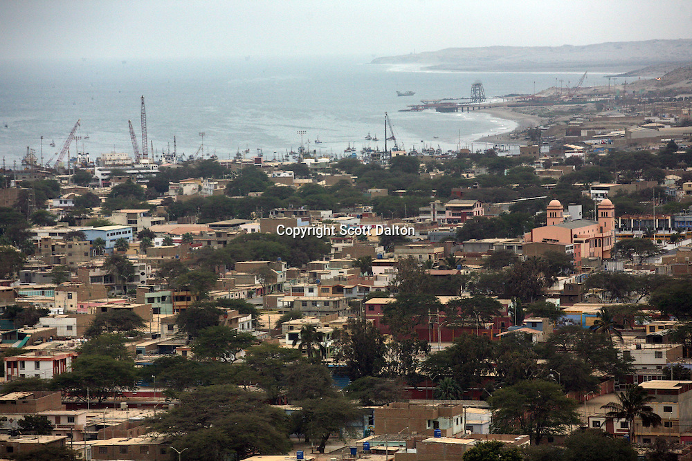 A view of the city of Talara, on Peru's northern coast, on November 10, 2007. Talara is one of Peru's main oil producing regions and the Chinese company SAPET has an oil field in the region. (Photo/Scott Dalton)