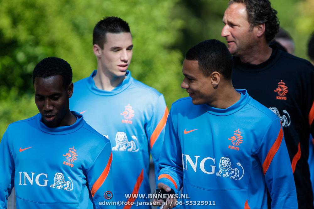 NLD/Hoenderloo/20120514 - !e training Nederlands elftal voor EK 2012, . en Gregory van der Wiel