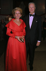 The DUKE & DUCHESS OF MARLBOROUGH at an exhibition in London on 1st October 1997.MBU 39