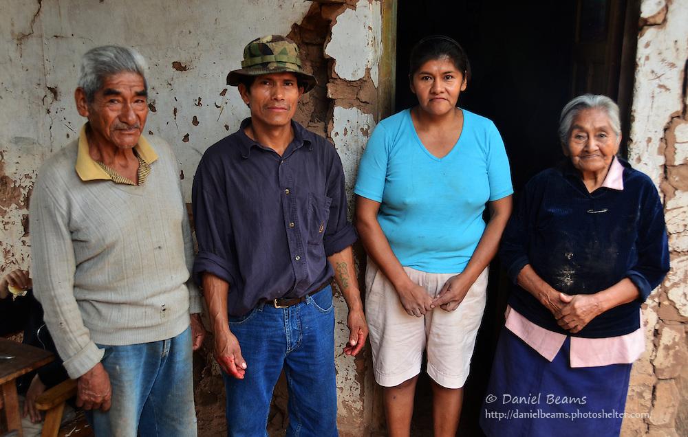 Guarani family in Isosog