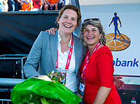 BREDA -  Clarinda Sinnige met Madeleine Bakker   tijdens Nederland-Japan bij de 4 Nations Trophy dames 2018 .   COPYRIGHT KOEN SUYK