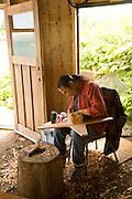 Sanford Williams woodcarver, Friendly Cove, Nootka, Vancouver Island, British Columbia, Canada