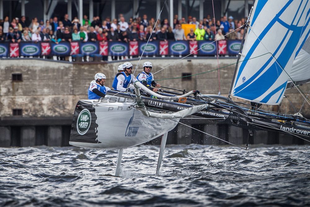 2015 Extreme Sailing Series - Act 5 - Hamburg.<br /> Gazprom Team Russia skippered by Phil Robertson (NZL) and crewed by Igor Lisovenko (RUS), Garth Ellingham (NZL), Alexander Bozhko (RUS) and Aleksey Kulakov (RUS).<br /> Credit Jesus Renedo.