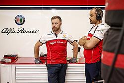 September 20, 2019, Singapore, Singapore: Motorsports: FIA Formula One World Championship 2019, Grand Prix of Singapore, ..Mechanic of Alfa Romeo Racing  (Credit Image: © Hoch Zwei via ZUMA Wire)