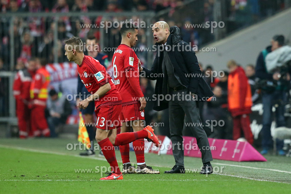 12.03.2016, Allianz Arena, Muenchen, GER, 1. FBL, FC Bayern Muenchen vs SV Werder Bremen, 26. Runde, im Bild Thiago Alcantara (FC Bayern Muenchen) Trainer Pep Guardiola (FC Bayern Muenchen) // during the German Bundesliga 26th round match between FC Bayern Munich and SV Werder Bremen at the Allianz Arena in Muenchen, Germany on 2016/03/12. EXPA Pictures &copy; 2016, PhotoCredit: EXPA/ Eibner-Pressefoto/ Langer<br /> <br /> *****ATTENTION - OUT of GER*****