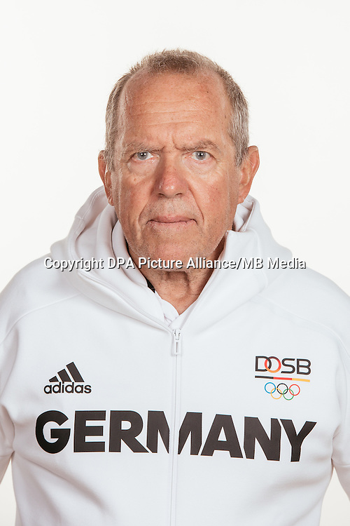Dr. Andreas Lochbrunner poses at a photocall during the preparations for the Olympic Games in Rio at the Emmich Cambrai Barracks in Hanover, Germany, taken on 22/07/16 | usage worldwide