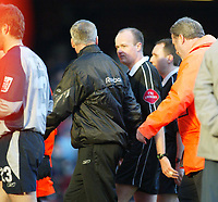 Photo. Chris Ratcliffe, Digitalsport<br /> West Ham United v Derby County. Coca Cola Championship. 23/01/2005<br /> Alan Pardew remonstrates with referee L Mason at half time after he did not send off keeper Lee Camp