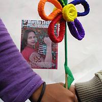 """Mexico, D.F.- Marcha lesbica que partio del monumento a la revolucion hacia el zocalo de la ciudad de Mexico bajo el lema """"lesbianas rompiendo barreras, cruzando fronteras"""". Agencia MVT/Maya/Zueles Sinai. (DIGITAL)<br /> <br /> NO ARCHIVAR - NO ARCHIVE"""