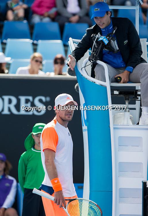 MISCHA ZVEREV (GER) beschwert sich beim Schiedsrichter,Aerger,Frust,Emotion<br /> <br /> Australian Open 2017 -  Melbourne  Park - Melbourne - Victoria - Australia  - 20/01/2017.