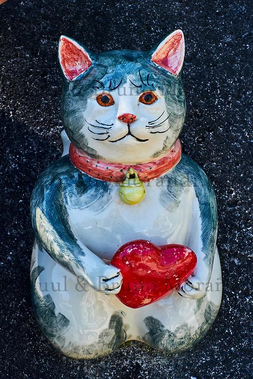 Japon, île de Honshu, prefecture de Aichi, Tokoname, poterie de chat // Japan, Honshu, Aichi prefecture, Tokoname, cat pottery