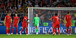 MOSCOW, RUSSIA - Tuesday, July 3, 2018: England's goalkeeper Jordan Pickford and team-mates look dejected as Colombia score an injury time equalising goal during the FIFA World Cup Russia 2018 Round of 16 match between Colombia and England at the Spartak Stadium. (Pic by David Rawcliffe/Propaganda)