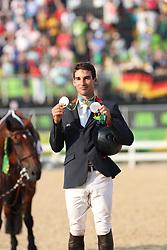 Nicolas, Astier (FRA), <br /> Rio de Janeiro - Olympische Spiele 2016<br /> Siegerehrung Vielseitigkeit Einzelentscheidung<br /> © www.sportfotos-lafrentz.de/Stefan Lafrentz