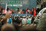 """""""Costituzione, la via maestra"""". Manifestazione in difesa della Costituzione italiana. Roma, 12 ottobre 2013. Don Luigi Ciotti"""