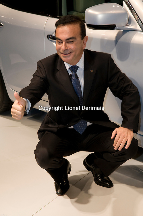 Carlos Ghosn introduces the LEAF, Nissan first electric car at the Tokyo motorshow 2009.