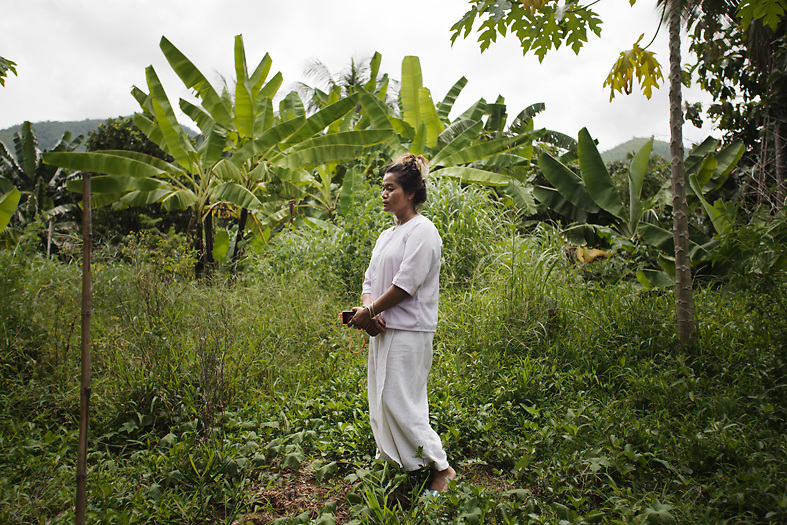 Pakson Thongda, 42, whose daughter sold two eggs to a fertility clinic for 70,000 baht ($2000 US). She sees surrogacy as a way of helping other people.<br /> Lom Sak, Petchabun province, Thailand. Aug 25 2014<br /> Credit : Giorgio Taraschi for The New York Times