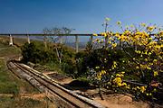 Jeceaba_MG, Brasil..Ferrovia em Jeceaba, Minas Gerais...The railway in Jeceaba, Minas Gerais.. .Foto: LEO DRUMOND /  NITRO