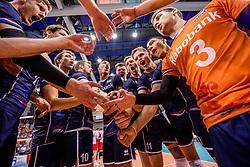 27-05-2017 NED: 2018 FIVB Volleyball World Championship qualification day 4, Apeldoorn<br /> Oostenrijk - Nederland / Zwaar bevochten overwinning voor Nederland dat met 3-2 wint / Vreugde bij Nederland