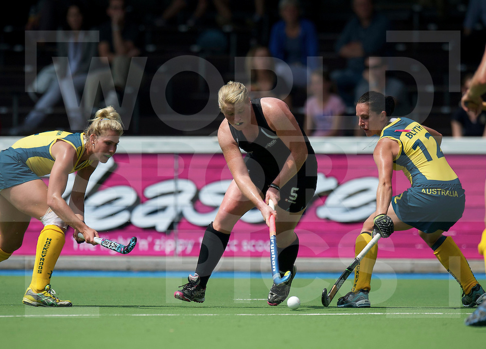 AMSTERDAM - Champions Trophy women.Australia vs New zealand.foto: Katie Glynn (m) Casey Eastham  (l).FFU Press Agency  COPYRIGHT FRANK UIJLENBROEK..